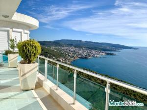 Вилла в Черногории с видом на море MB05364_63.JPG