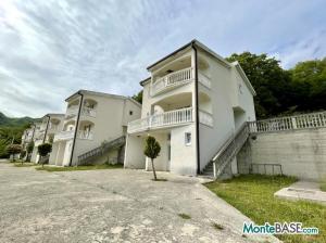 Дом в Баре в жилом комплексе с бассейном (или отельный комплекс) MB05401z_6.JPG