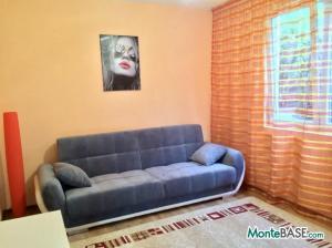 Дом на два апартамента в Добра Вода NA01299_12.JPG