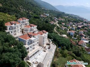 Квартиры в жилом комплексе — элитные апартаменты на Боко-Которском заливе MB05409_2.JPG