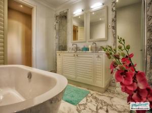 Недвижимость в Porto Montenegro - элитные апартаменты Regent Pool Club 120кв.м GB01177_18.jpg