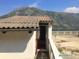 Дом в Черногории - Котор район Столив в 90м от берега MB05244_7.jpg