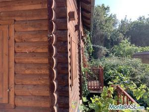 Дом в Черногории - деревянный котедж в Утехе MB05227_3.jpg