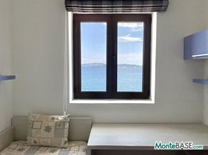 Дом в Черногории со своим пляжем на Которском заливе AS01434_15.JPG