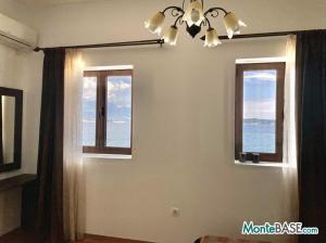 Дом в Черногории со своим пляжем на Которском заливе AS01434_18.JPG