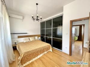 Дом в Черногории со своим пляжем на Которском заливе AS01434_20.JPG