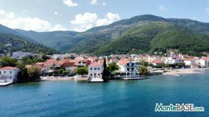 Дом в Черногории со своим пляжем на Которском заливе AS01434_4.JPG