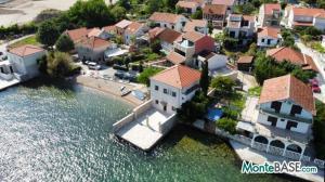 Дом в Черногории со своим пляжем на Которском заливе AS01434_5.JPG