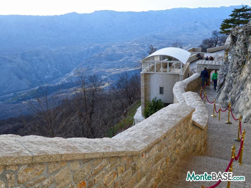 Недвижимость в игало черногория зарегистрироваться на рейс флай дубай онлайн